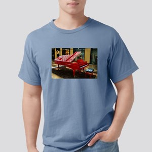 Simply red: grand piano T-Shirt