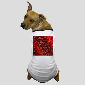 golden music notes in dark shyni red Dog T-Shirt