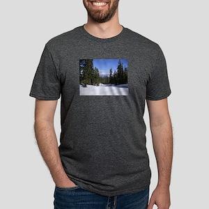 Mammoth Mountain, Blue Sky, White Snow, Ta T-Shirt