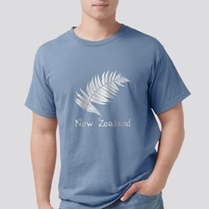 New Zealand Leaves Women's Dark T-Shirt