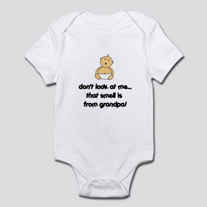 DON'T LOOK AT ME THAT SMELL I Infant Bodysuit