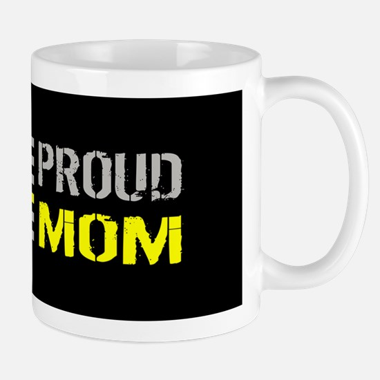 U.S. Flag Yellow Line: Proud Mom (Black Mug