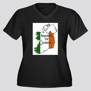 Republic Of Ireland Flags In Map Plus Size T-Shirt