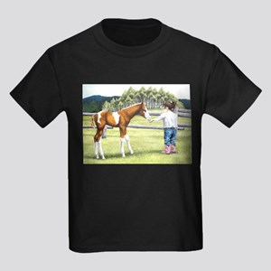 Girl with foal Kids Dark T-Shirt