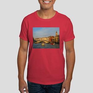 Venice Italy, Rialto Bridge photo- Dark T-Shirt