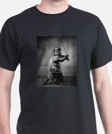 Vintage Samurai with Sword and Dagger Art T-Shirt
