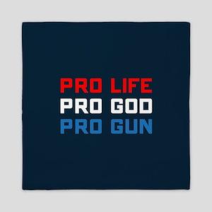 Pro Life, God, Gun Queen Duvet