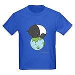 Kids Dark T-Shirt: 'Tapir on World'