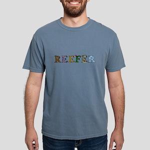 reefer_dark_darktext T-Shirt