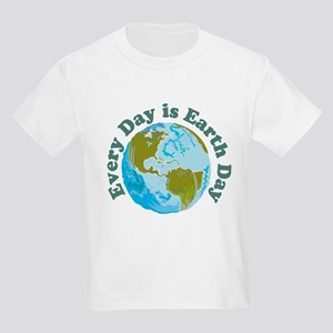 Earth_Button T-Shirt