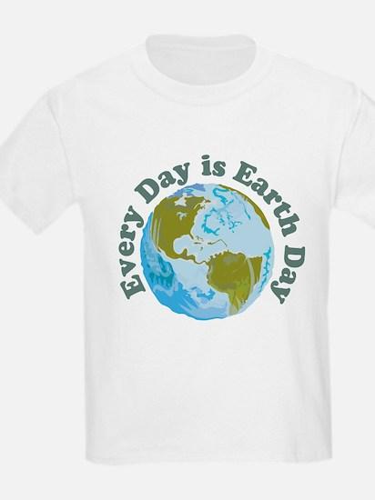 Earth_Button T-Shirt