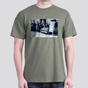 1917 Call for Women's Votes Dark T-Shirt