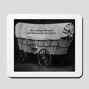 Never forget the past Mousepad