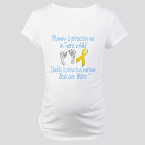 Mommy Daddy protecting Boy Maternity T-Shirt