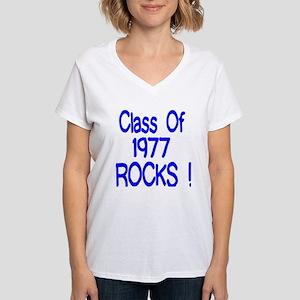 1977 blue Women's V-Neck T-Shirt