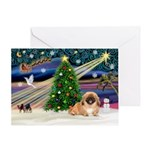 XmasMagic/Pekingese (red) Greeting Card