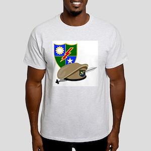Army Ranger Beret Dagger (Front) Ash Grey T-Shirt