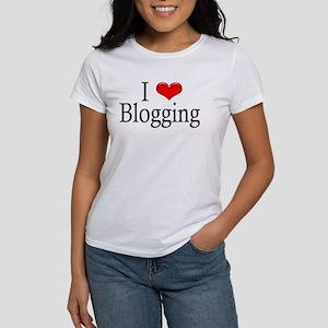 I Heart Blogging Women's T-Shirt