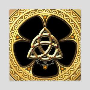 Decorative celtic knot, golden design Queen Duvet
