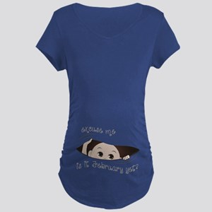 Funny Peeking Baby February Maternity Dark T-Shirt