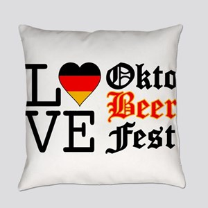 German Flag Heart Oktoberfest Everyday Pillow