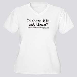 Is there Life? Student Nurse Women's Plus Size V-N