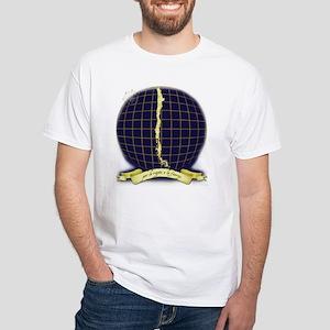 Por la razon o la Fuerza White T-Shirt