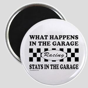 AUTO RACING Magnet
