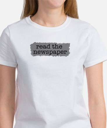 Read the paper Women's T-Shirt