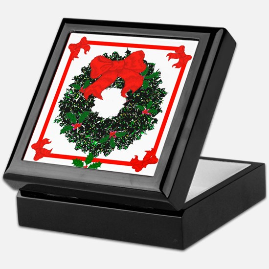 Christmas Holly Wreath Keepsake Box