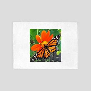 Monarch 5'x7'Area Rug