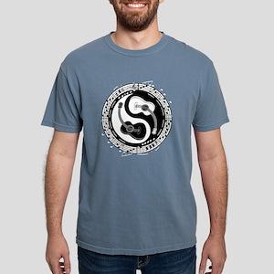 guitar-yang-toony-DK T-Shirt