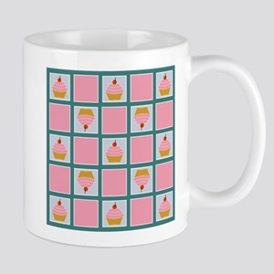CUPCAKE CHECKER BOARD Mugs