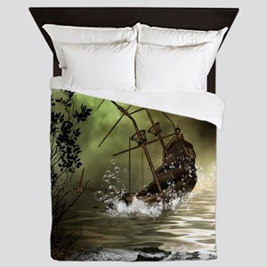 Awesome shipwreck in the sunset Queen Duvet