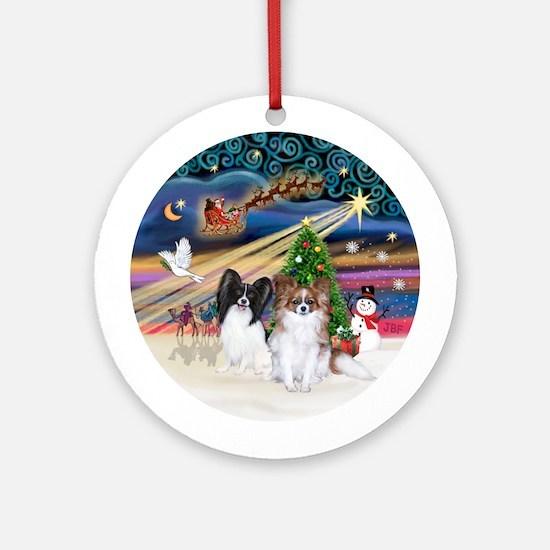 Xmas Magic-2 Papillons (Blk+Sab) Ornament (Round)