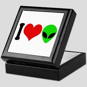 I Love Aliens (design) Keepsake Box