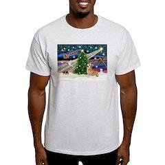 XmasMagic/Corgi (7b) T-Shirt