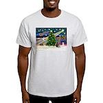 XmasMagic/Weimaraner 2 Light T-Shirt