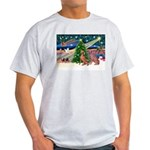 XmasMagic/2 Weimaraners Light T-Shirt
