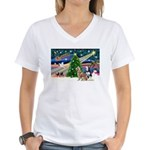 Xmas Magic & S Husky Women's V-Neck T-Shirt