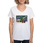 XmasMagic/2 Dobies (P3) Women's V-Neck T-Shirt