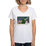 Xmas Magic & Eskimo Spitz Women's V-Neck T-Shirt