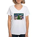 Xmas Magic & Bull Mastiff Women's V-Neck T-Shirt