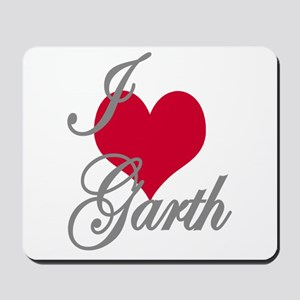 I love (heart) Garth Mousepad