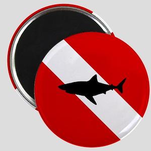 Diving Flag: Shark Magnet