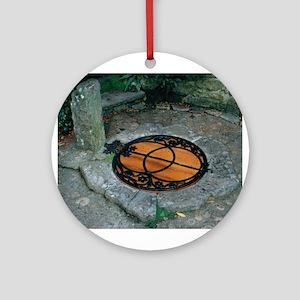 Chalice Well - Glastonbury UK Keepsake (Round)