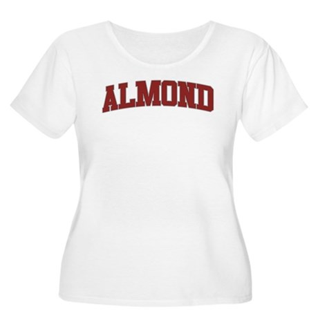 ALMOND Design Women's Plus Size Scoop Neck T-Shirt