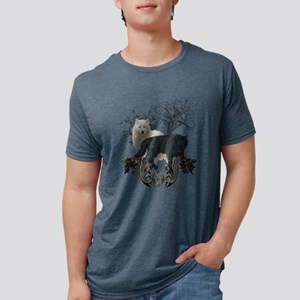 Awesome black and white wolf T-Shirt