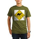Camel Crossing Sign Organic Men's T-Shirt (dark)