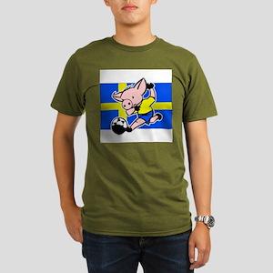 sweden-soccer-pig Organic Men's T-Shirt (dark)